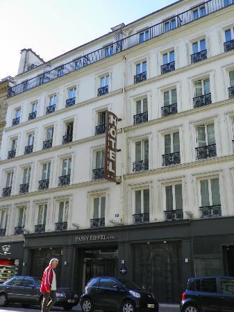 Passy Eiffel Hotel: Hotel exterior