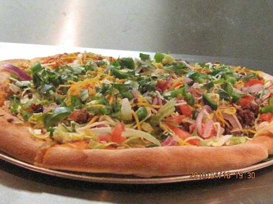 Capone's Pub & Grill: taco pie