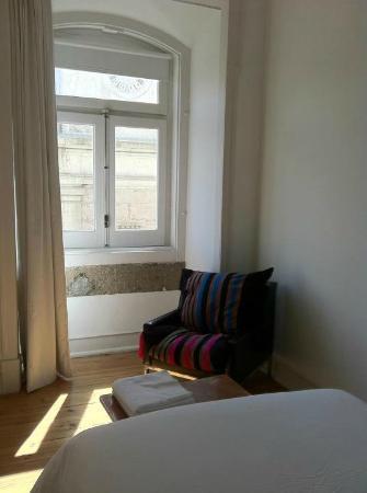 Lisbon Calling: 1987 room