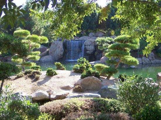Genial Japanese Friendship Garden: Hidden Waterfall