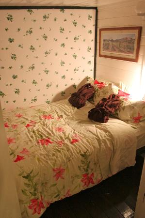 Norton North Ranch Cottages: Main bed