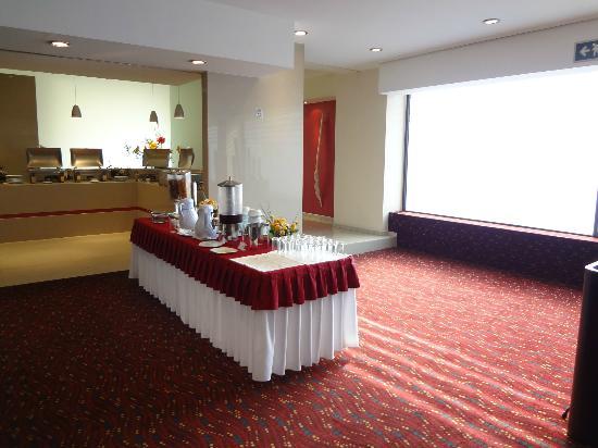 Hotel Villa Quijotes: Vista area de servicio