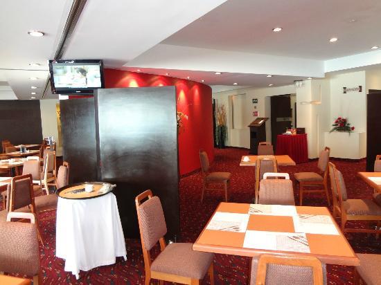 Hotel Villa Quijotes: Vista comedor