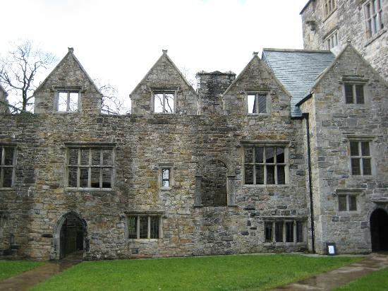 Donegal Town, Ireland: castle