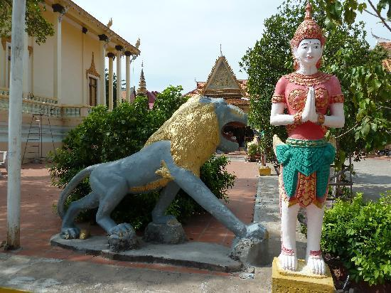Temple of the Lotus Blossoms: Wat Botum