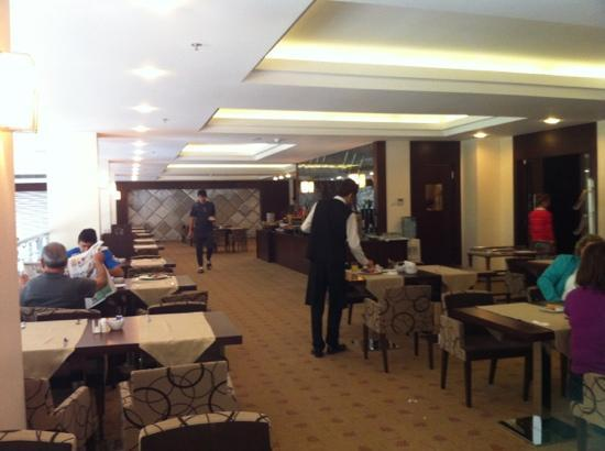 Safir Otel : kahvalti salonu