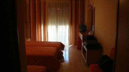 Evia Hotel & Suites: Our room