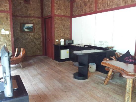 Somkiet Buri Resort: Common room - Kitchen