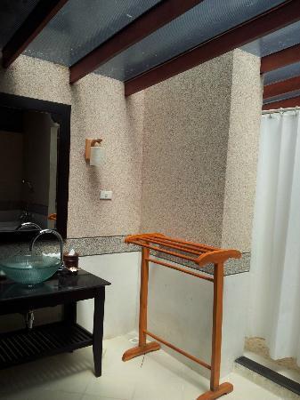 Somkiet Buri Resort: Bathroom 2