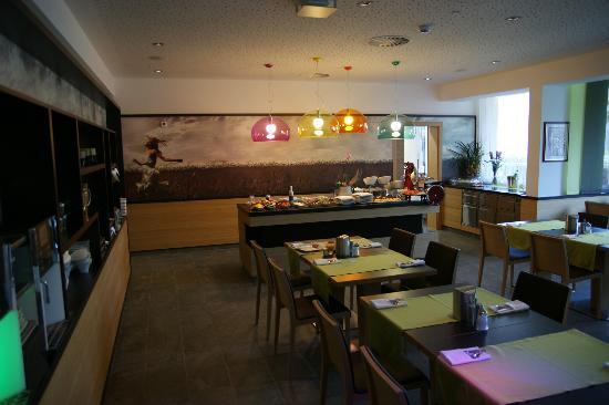 LEDERER's LIVING: breakfast room