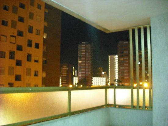 Maria Victoria Apartments: view onto street