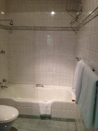 Seasons of Perth: Bathroom #1