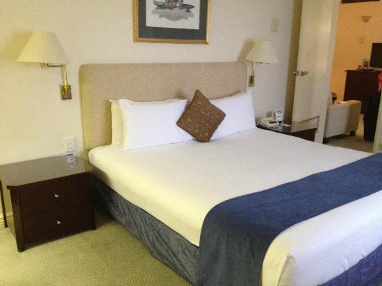 Seasons of Perth: Bedroom