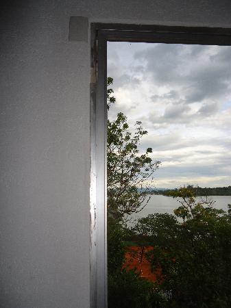Maria Do Mar Hotel: ventana no cerraba
