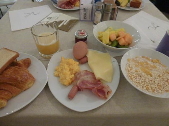Best Western Premier Hotel Royal Santina: 朝食