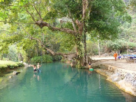 Tham Phu Kham Cave and Blue Lagoon: lagoon