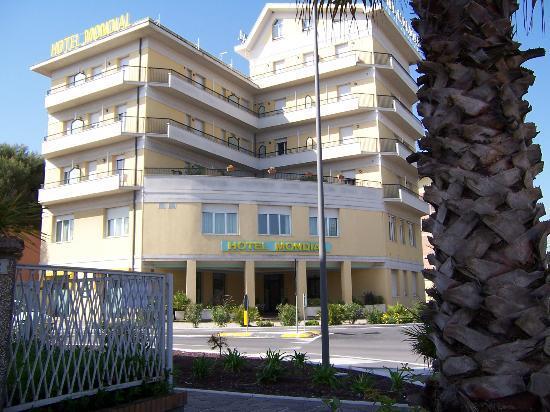 Porto Recanati, Italy: Hotel in zona buona  per il centro