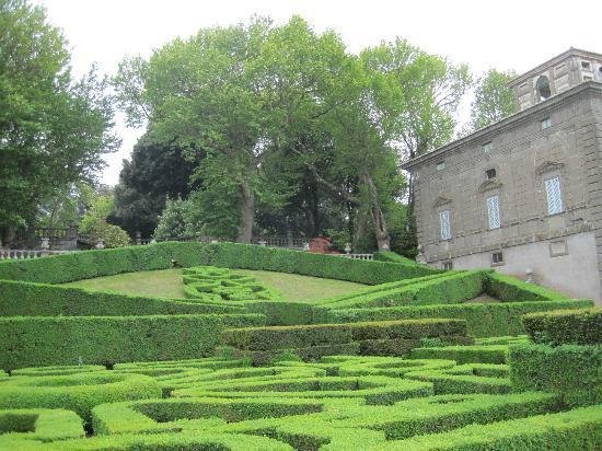Villa Lante: vista dal basso