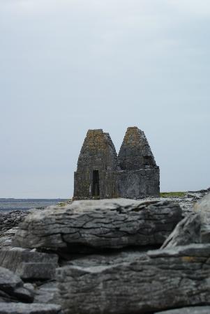 Tigh Fitz: Curch of Saint Benan, die kleinste Kirche der Welt