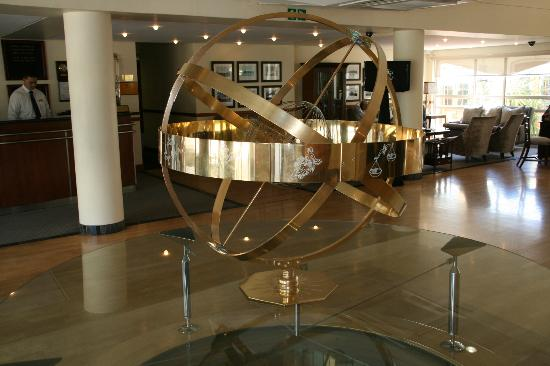 The PortsWood: Hotel lobby