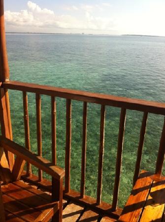 نالوسوان آيلاند ريزورت: the balcony view