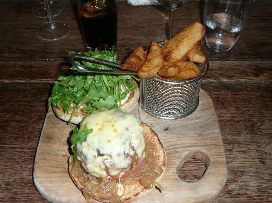 The Barking Dog Restaurant Belfast: Beef Shin Burger, Caramelised Onions, Horseradish Mayo, Tomato, Cheddar & Chunky Chips