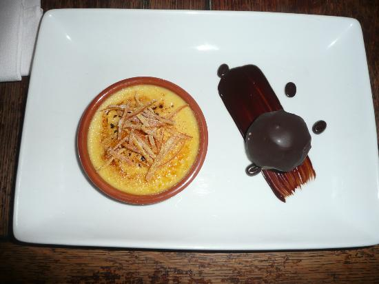 The Barking Dog Restaurant Belfast: Orange Creme Brulee
