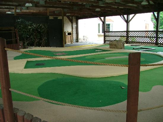 Circle M RV & Camping Resort: Minature Golf