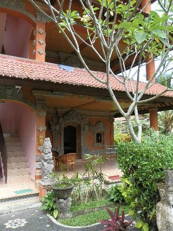 Gayatri: Nice architecture