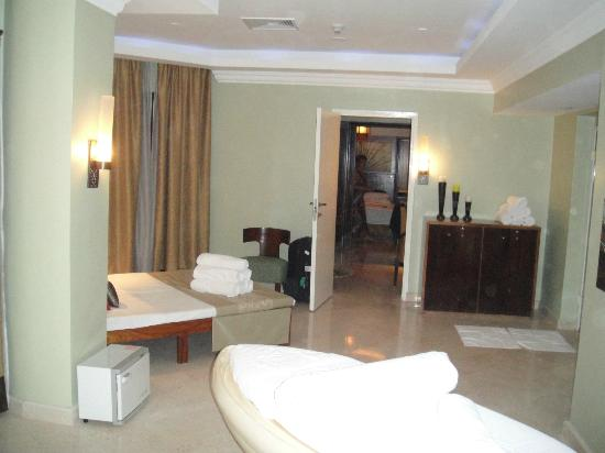 Hilton Luxor Resort & Spa: Suite treatment room