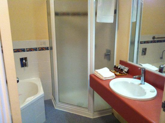 Tidal Waters Resort: bathroom