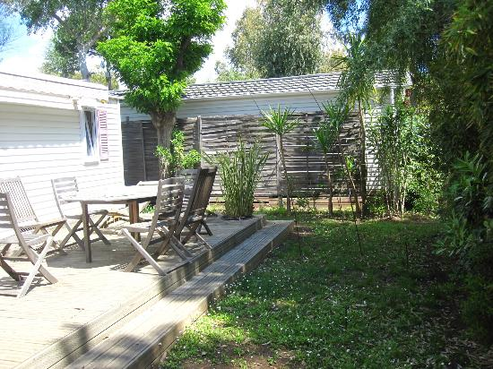 Terrasse picture of camping parc et plage hyeres tripadvisor - Coin terrasse jardin argenteuil ...