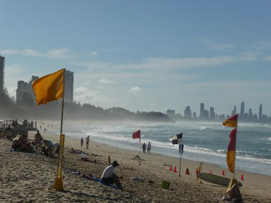 Burleigh Heads Beach: Surfs up