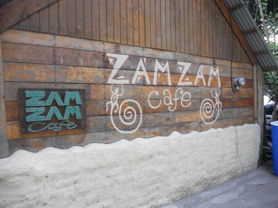 Zam Zam Bar & Restaurant: The Entrance