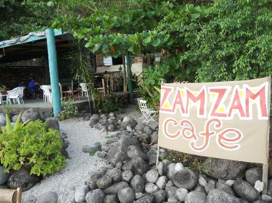 Zam Zam Bar & Restaurant: View From the Beach to the Tables Inside