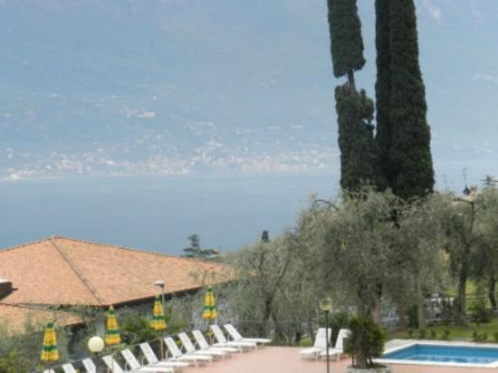 Hotel Saturno: view from room nr.120 over the garda lake