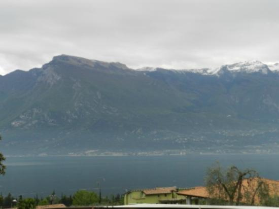 Hotel Saturno: Monte Baldo mountain from room balcony nr.120