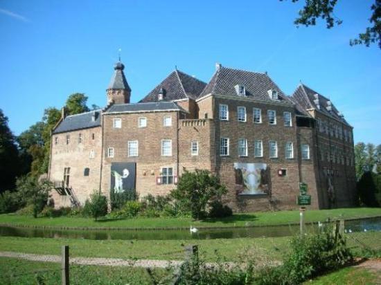Kasteel Huis Bergh: The castle