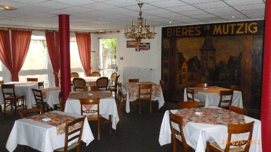 L'Ours de Mutzig : salle petit déjeuner