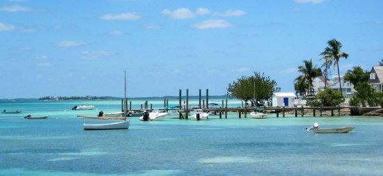 Pink Sands Beach: Dock on Bay Street