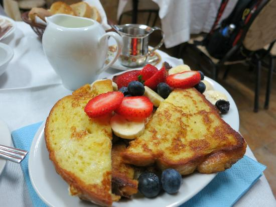 Two Rivers Bed & Breakfast: French Toast