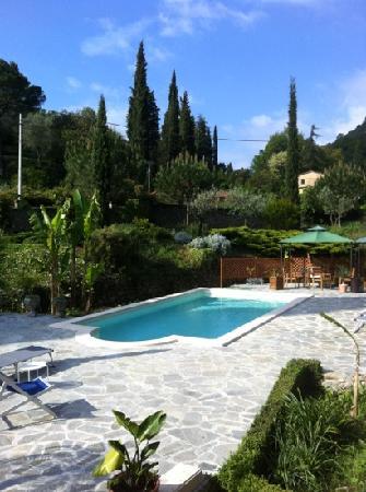 La Musa Guest House: piscine