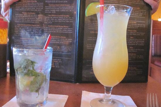 Chuck's Southern Comforts Cafe: Mojito and Voodoo Margarita
