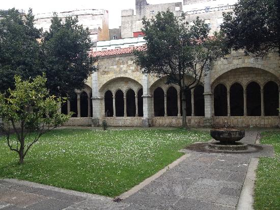 Cathedral Santander : cloisters