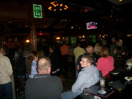 Ramblers Rest Bar and Restaurant: The crowd gathers to listen ...