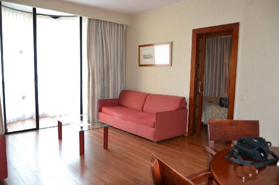 Guitart Grand Passage : Sala y balcón