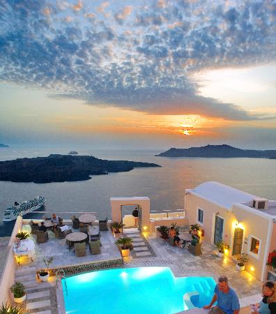 Anteliz Suites: Our pool terrace overlooking the Santorinian Caldera and the Aegean Sea