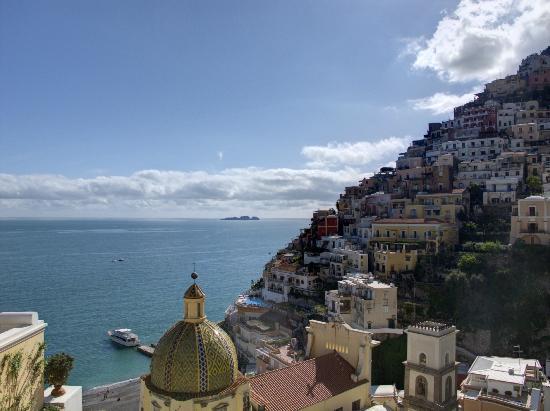 Le Sirenuse Hotel: questo panorama lo vedevo dalla camera......