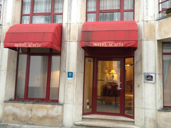 Hotel Acacia: Front view