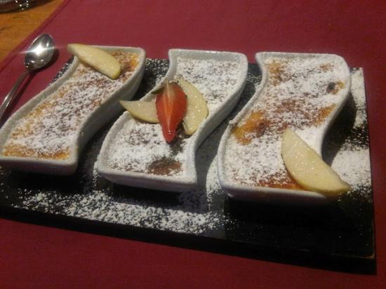 Brasserie de la Foret: crème brûlée trio (vanilla flavor, orange blossom and pink)